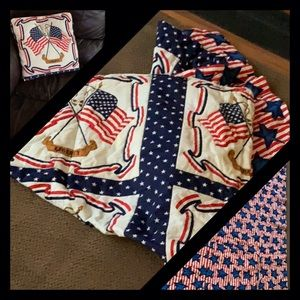 🇺🇸Vintage quilted throw that folds into a pillow